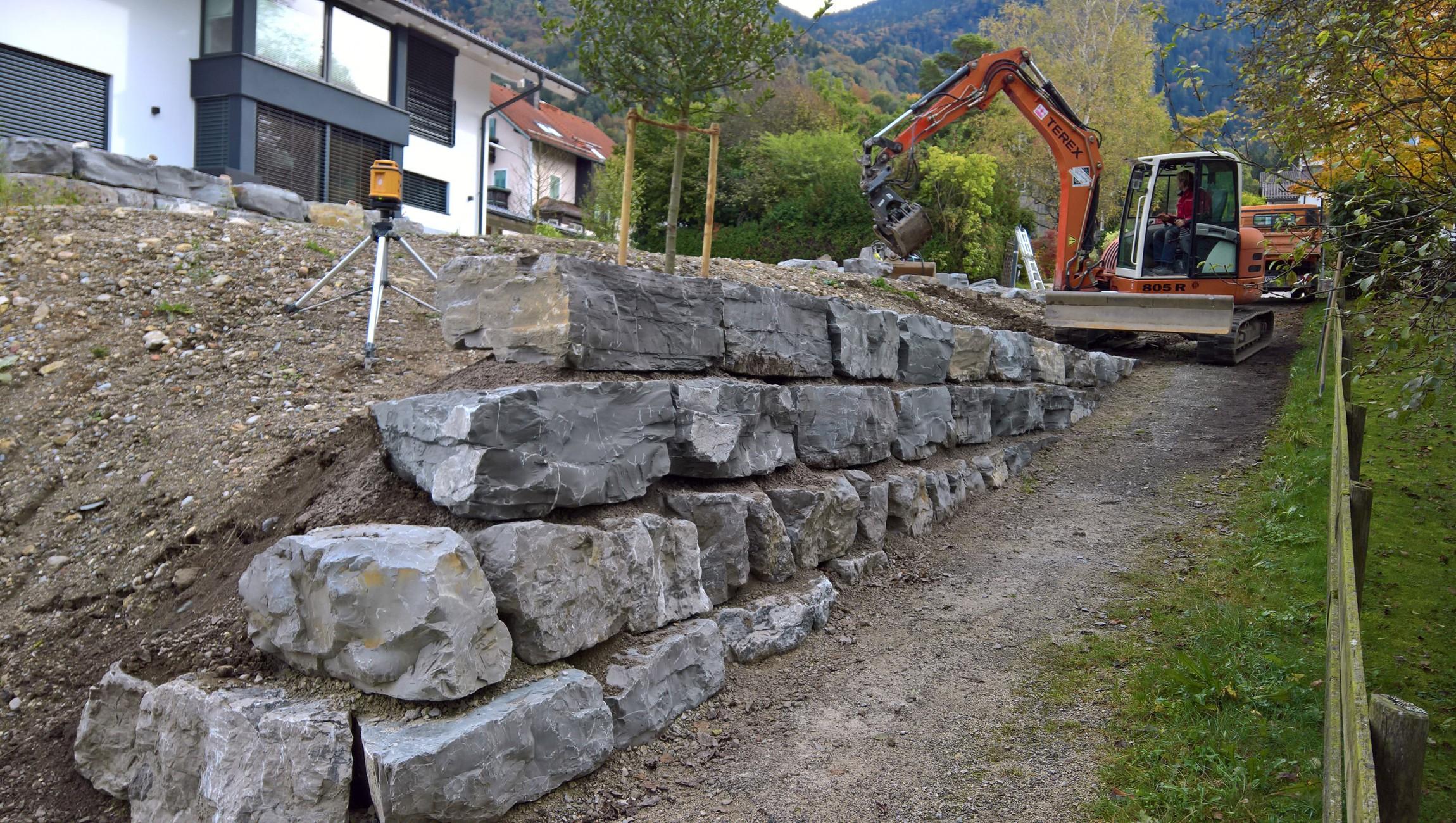 Mauerbau mit Lagensteinen